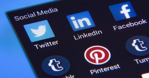 Social Media Apps Twitter LinkedIn Facebook
